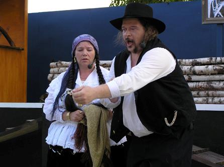 Daaria ja Salomo, Arja Ceder ja Tom Pallas